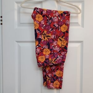 Lularoe adult leggings ***TC2***
